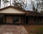 Foreclosed Home in Highlands 77562 SYCAMORE DR - Property ID: 2582542300